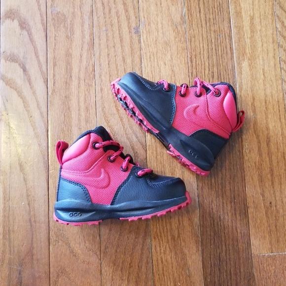 860eaada8b46 Nike Manoa Sample Toddler Size 5C New Never Worn